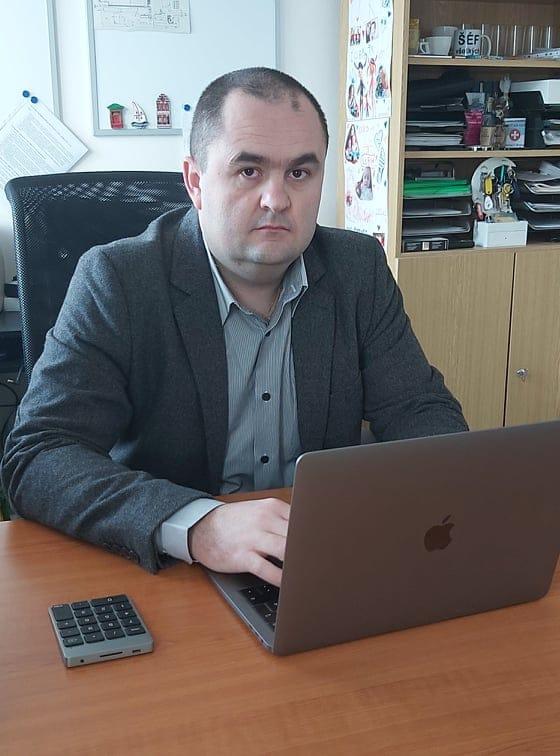 Peter - projektový manažér -UNICARBACK