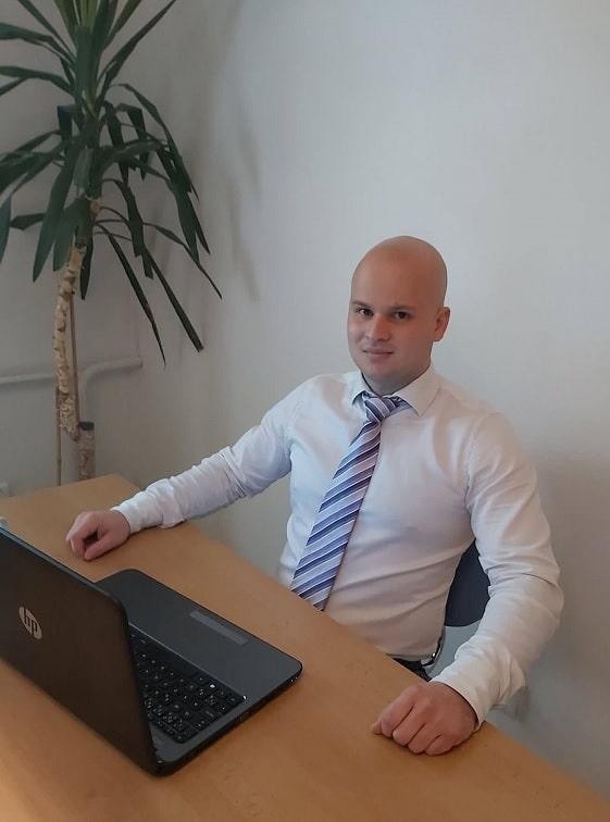 Jarolím - marketingový špecialista - UNICARBACK