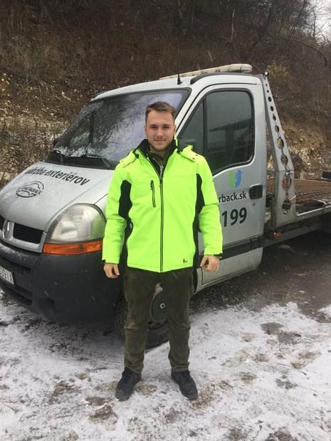 Unicarback_udrzba exterierov náš tím -Jakub